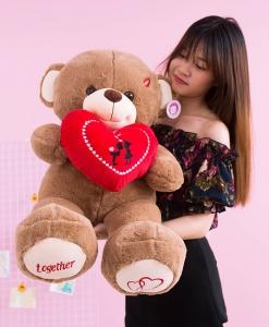 gau-teddy-om-tim-couple-together